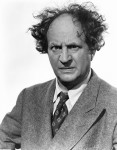 Larry-Fine-three-stooges-23436866-393-500